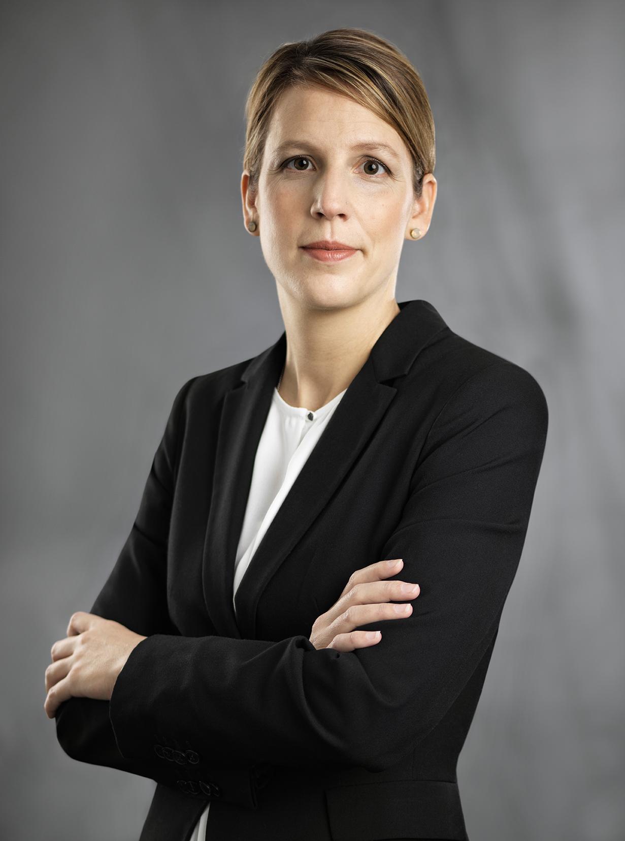 Stephanie Volz